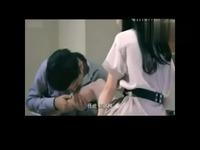 片段《我怀了你的孩子》激吻床戏 游戏视频