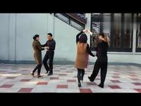 热门短片 娇娇广场舞双人三步踩-游戏视频_17