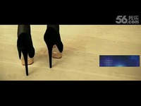 视频: 热门花絮 腿模穿性感黑丝袜拍摄高跟鞋时尚