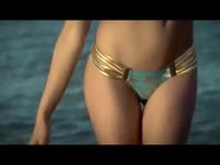 超清视频 c罗女友最新泳装