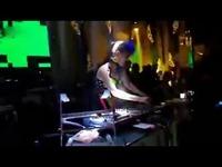 美女dj lulu・酒吧现场打碟视频!