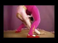 美女的好看柔术表演 游戏视频