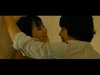韩国伦理电影《现爱》床吻戏片段 游戏视频