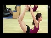 视频: 完整版 【性感柔术美女】国外性感美女柔术
