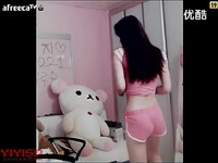 韩国粉衣性感美女主播激情热舞