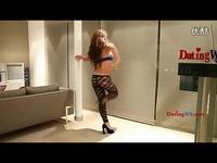 美女主播车模热舞 游戏视频